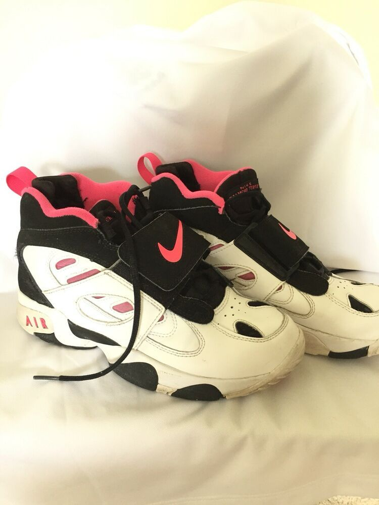 Girls  Nike Air Diamond Turf II 2 White Black Pink 488294-061 sz 6Y ... bff8ad4af