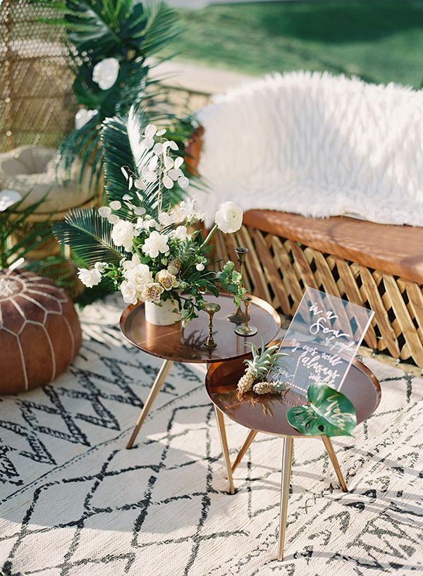 An All-White Wedding with a Chic Tropical Twist ⋆ Ruffled