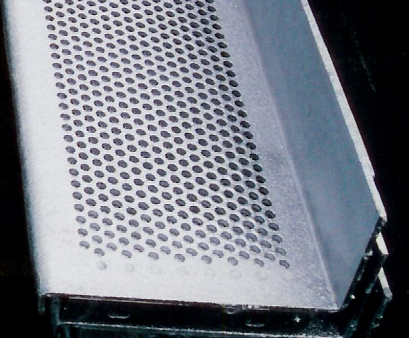 Best Stair Treads Made Of Galvanized Perforated Steel Allow For 640 x 480