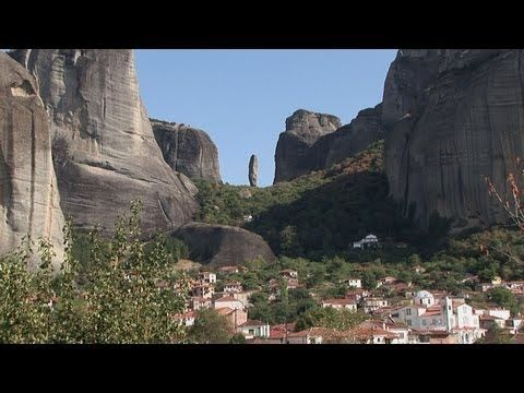 The village of Kastraki is an ideal starting point to visit the Meteora monasteries. Those seeking peace will find accommodations and nice tavernas. Picture gallery Greece http://www.myvideomedia.de/fotogalerie/greece.htm