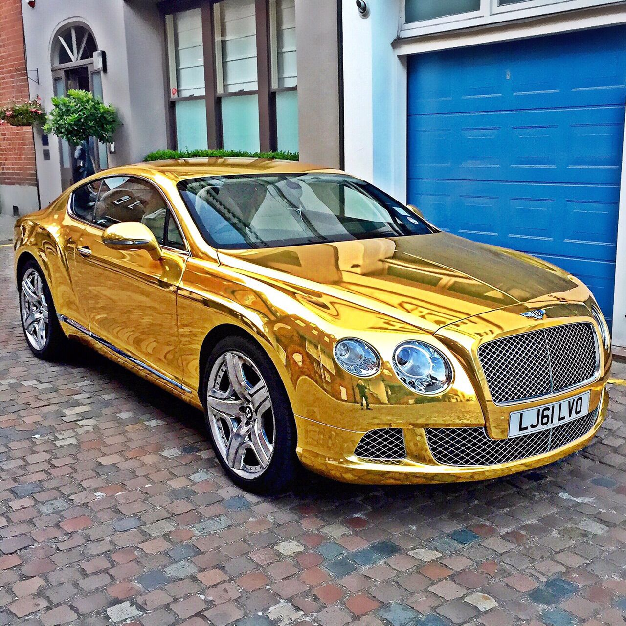 Bentley Gt Vinyl Wrapped Chrome Gold By Wrapping Cars London Www Wrappingcars Co Uk Best Luxury Cars Bentley Gt Bentley Car