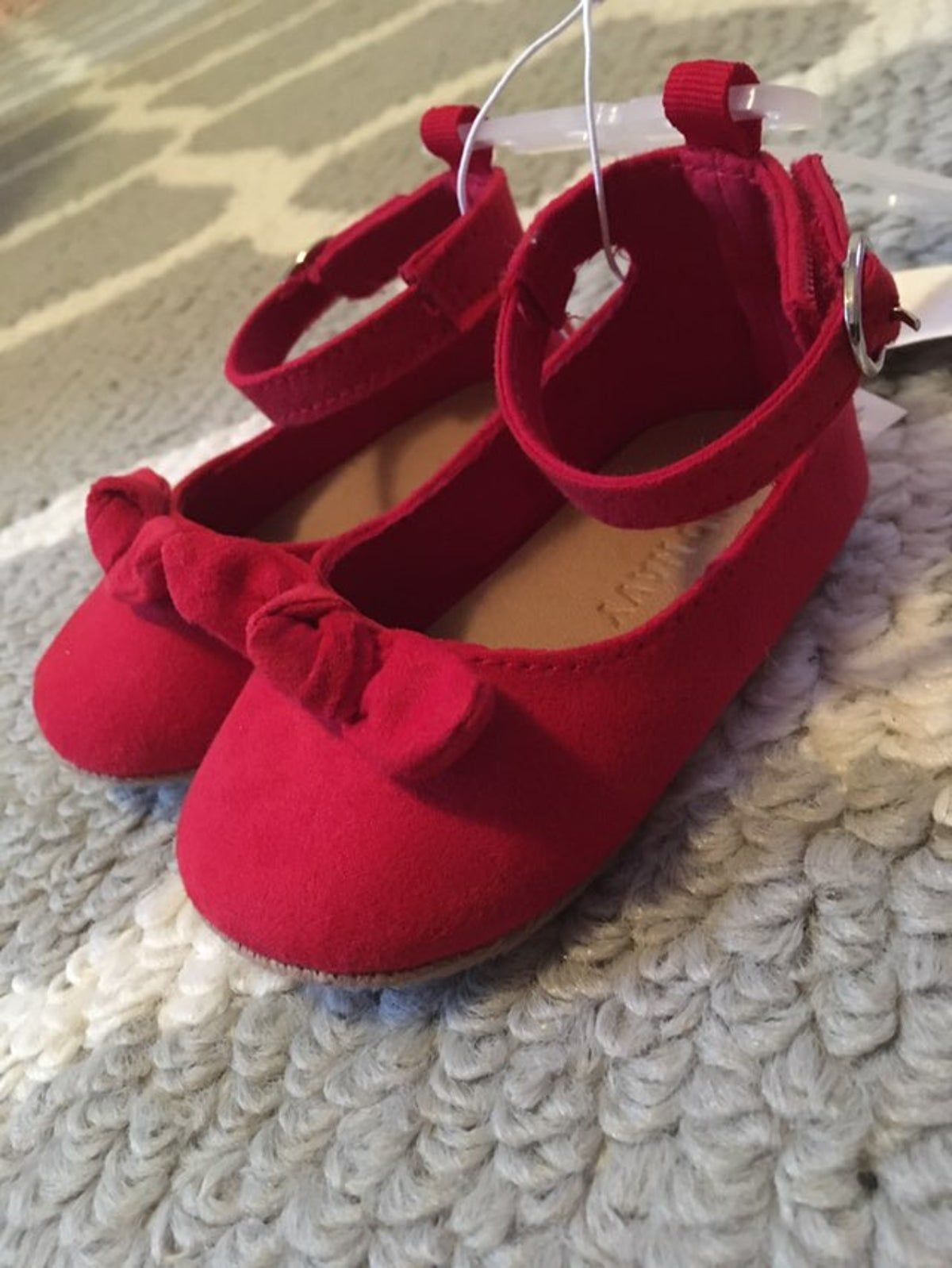 Red shoes flats