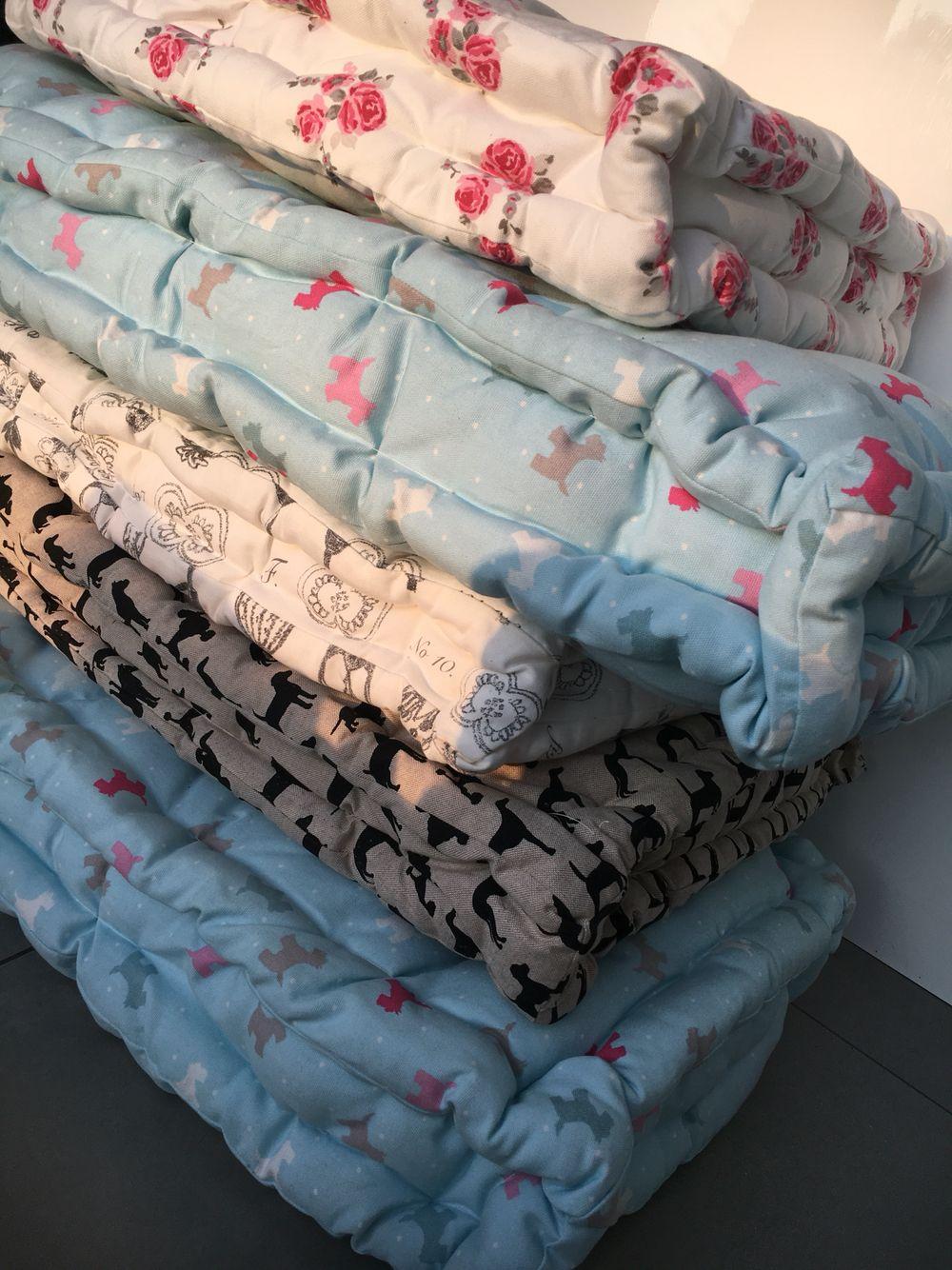 Piled Handmade Quilted Cushion Mattress Tufted Cushion
