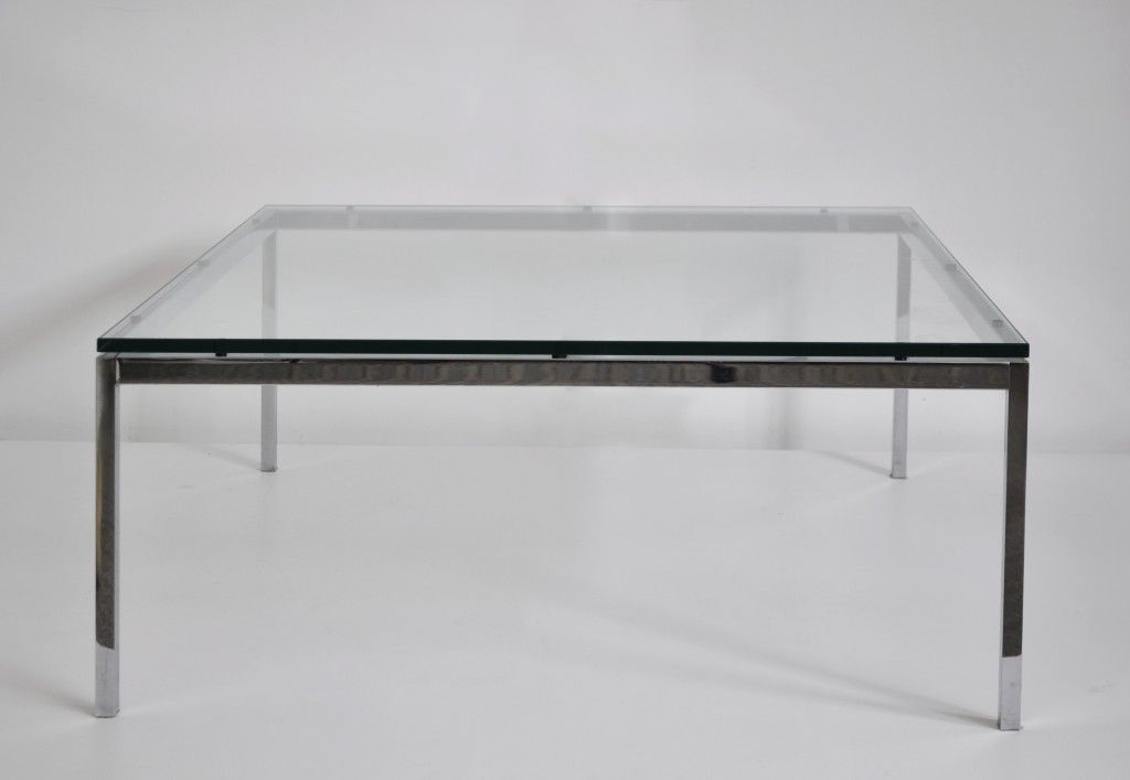 Florence Knoll Nee En 1917 Table Basse En Acier Chrome Et Dalle De Verre Translucide Edition Knoll Dimens Table Basse Acier Meuble Design Mobilier De Salon