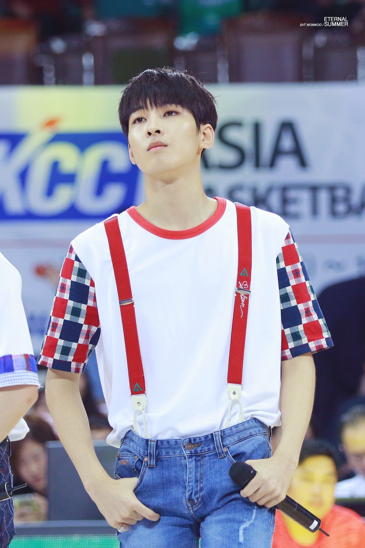 Чон Вон У 전원우 Jeon Won Woo День рождения: 17.07.1996 (Seventeen 세븐틴- Подгруппа: рэп)