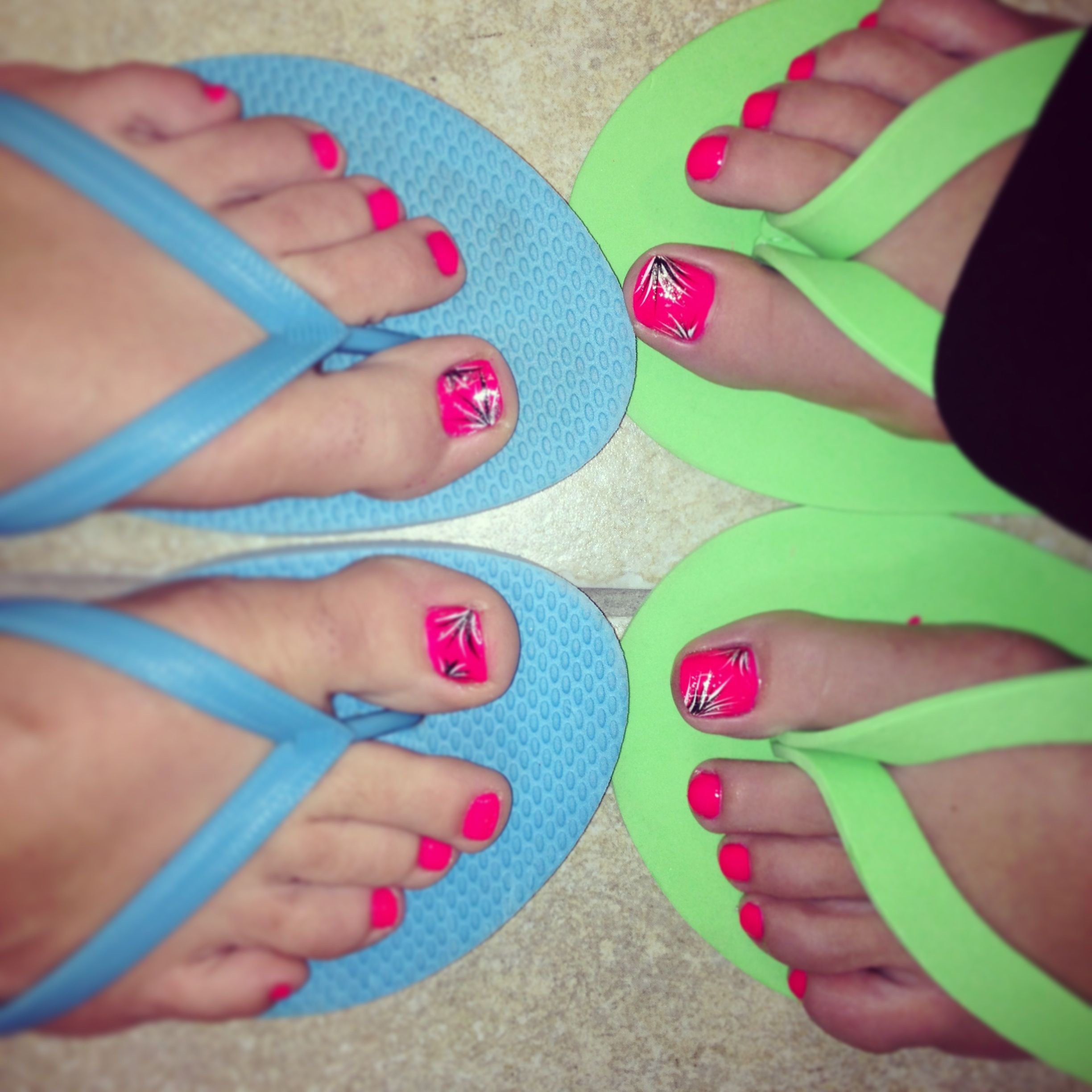 My best friend and me got matching toe nail designs! | Hair & Beauty ...