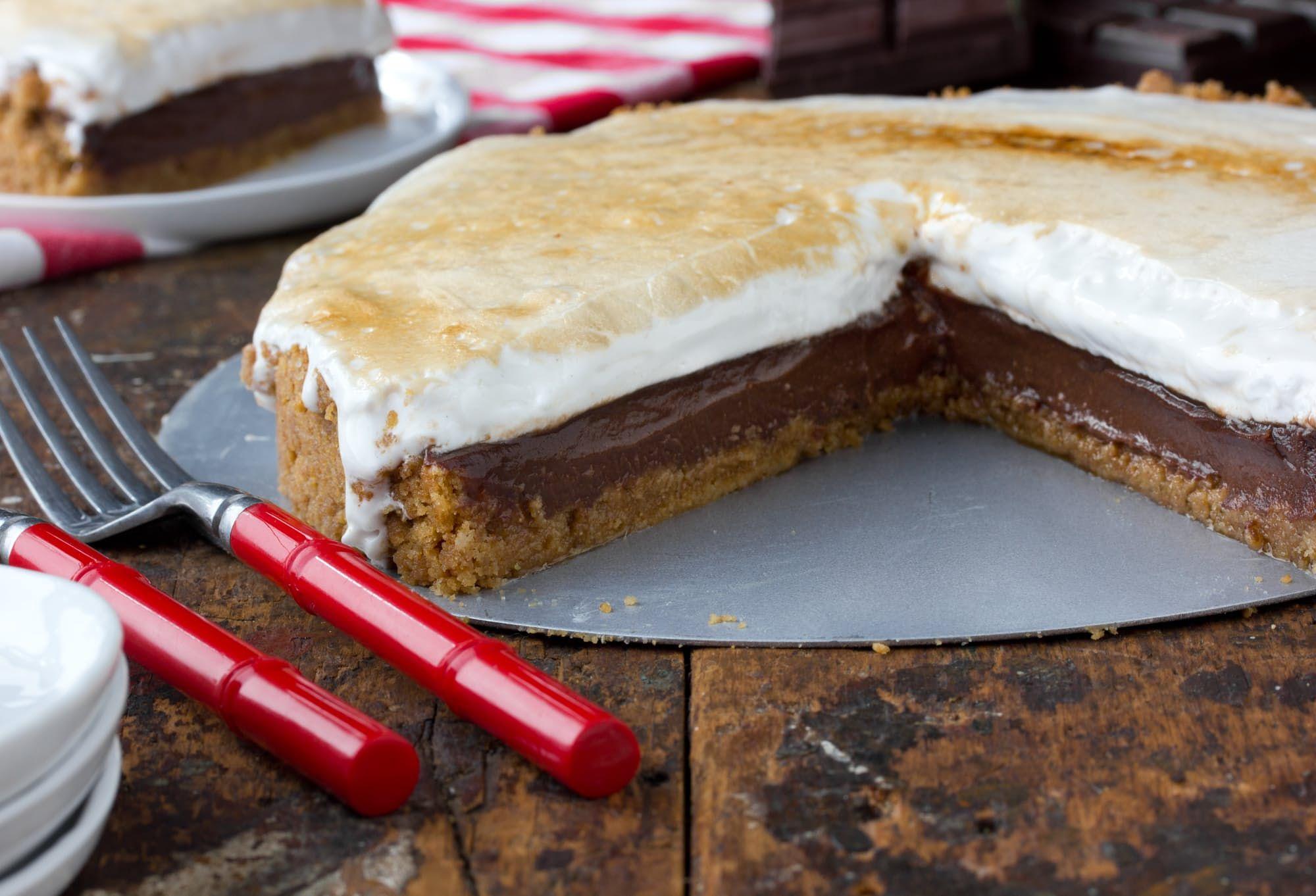 Recipe Gooey, Crunchy, ChocolateFilled S'mores Pie