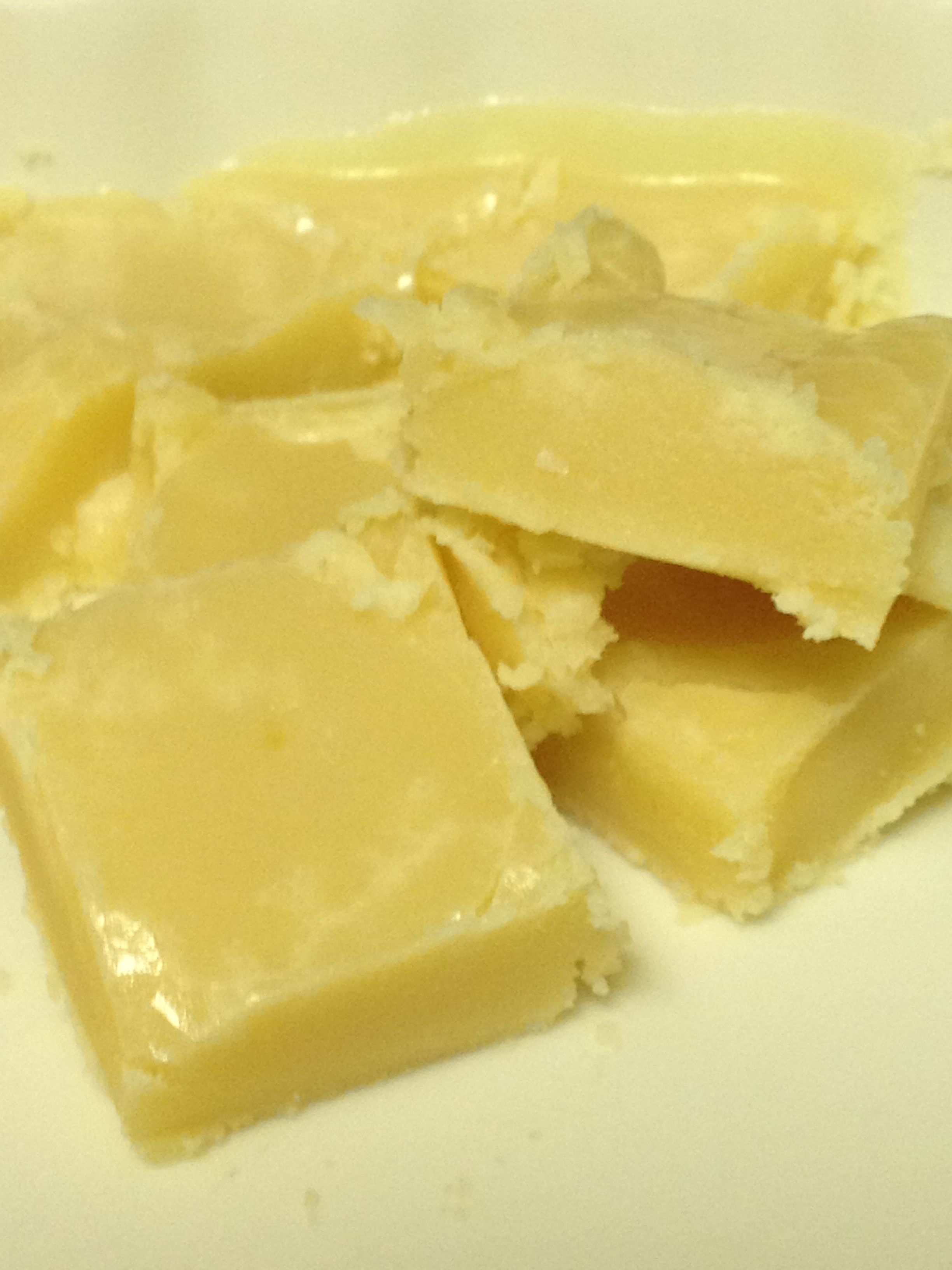 Cook-in-the-Microwave Vanilla Caramel Fudge Squares #glutenfree #thissarahloves