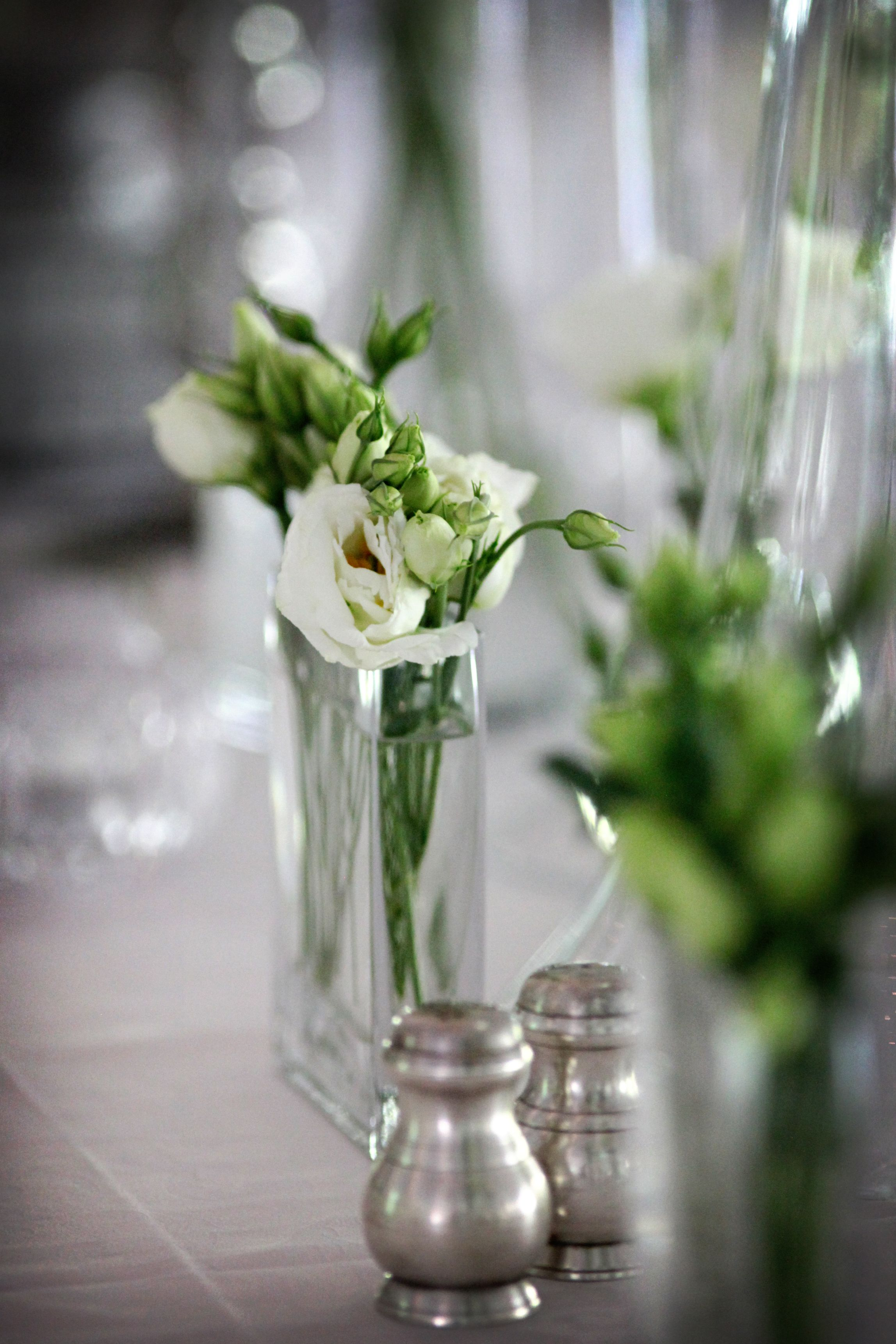 Styling, decor and flowers by Splendid Affairs  Photography by Custo Photo