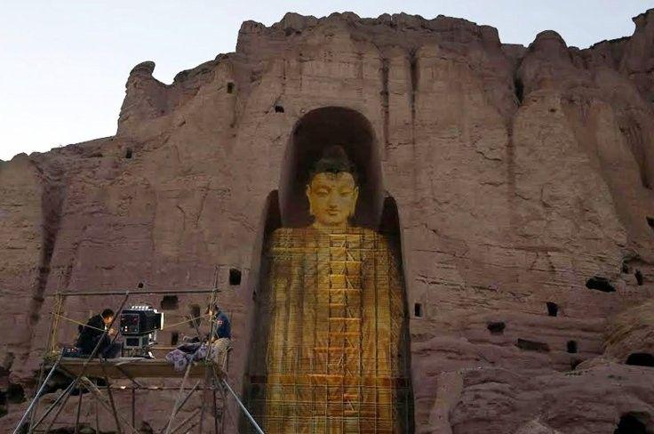 Projeção holográfica 'reconstrói' estátuas de Buda dinamitadas no Afeganistão