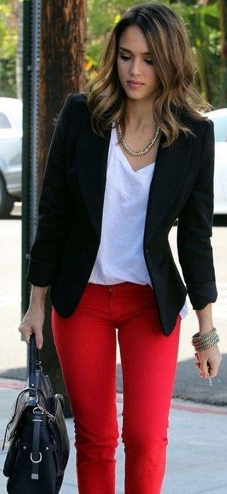 44 Ideas De Combinaciones Con Rojo Pantalones Rojos Pantalon Rojo Mujer Ropa De Moda