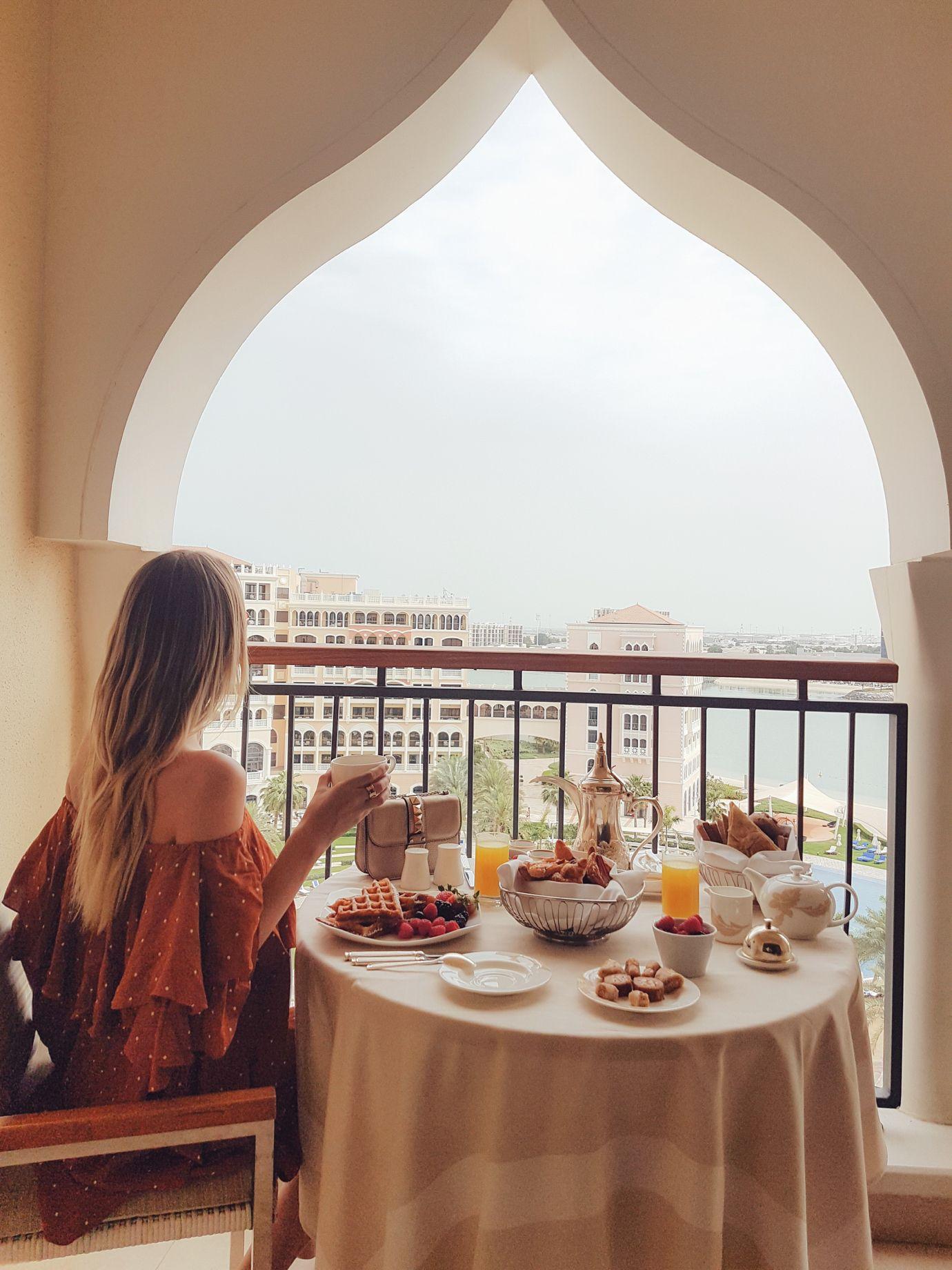 Breakfast at the Ritz-Carlton I Abu Dhabi http://www.ohhcouture.com/2017/04/abu-dhabi-2017/ #leoniehanne #ohhcouture