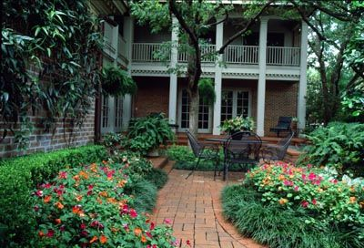 New Orleans Style Courtyard