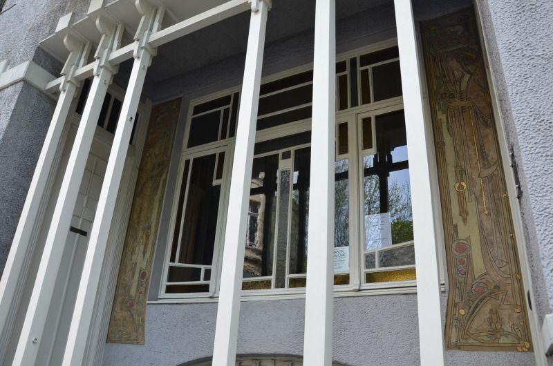 La Maison Gauchie - Façade - Bruxelles - Les Sgraffites (du terme - peinture de facade maison