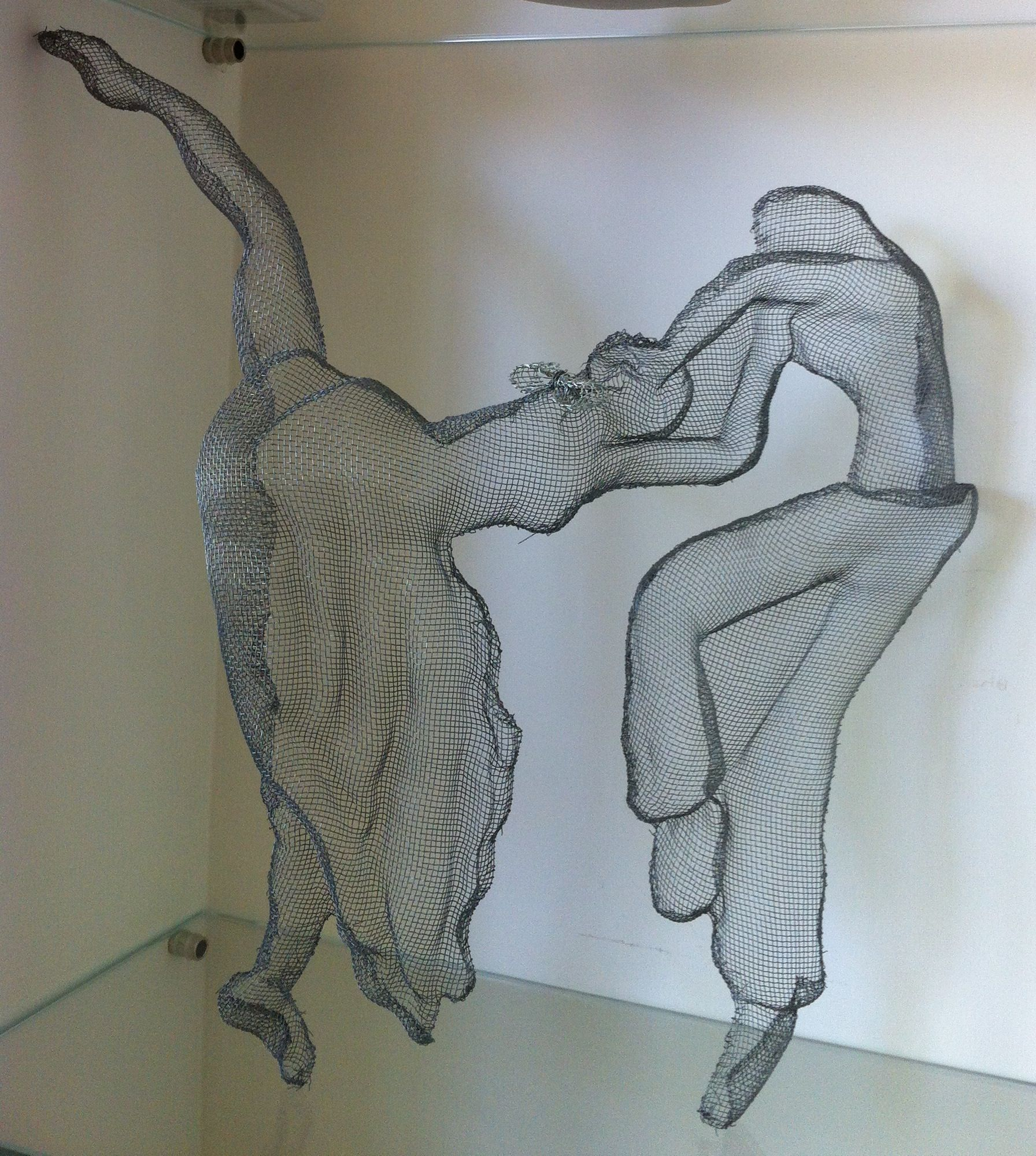 wire mesh sculpture by Orna Feliks, dancers | Wire Mesh Sculpture by ...