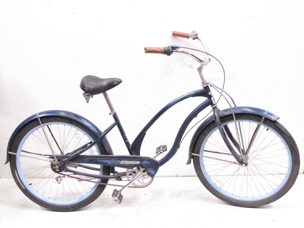 Roam The Beach With Electra Twiggy Women\'s Beach Bike http://www ...