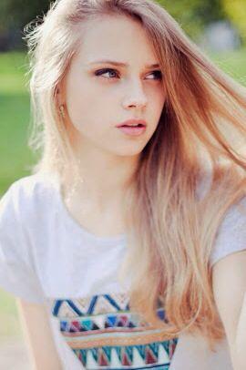 Teen Girl Blonde Hair Blue Eyes