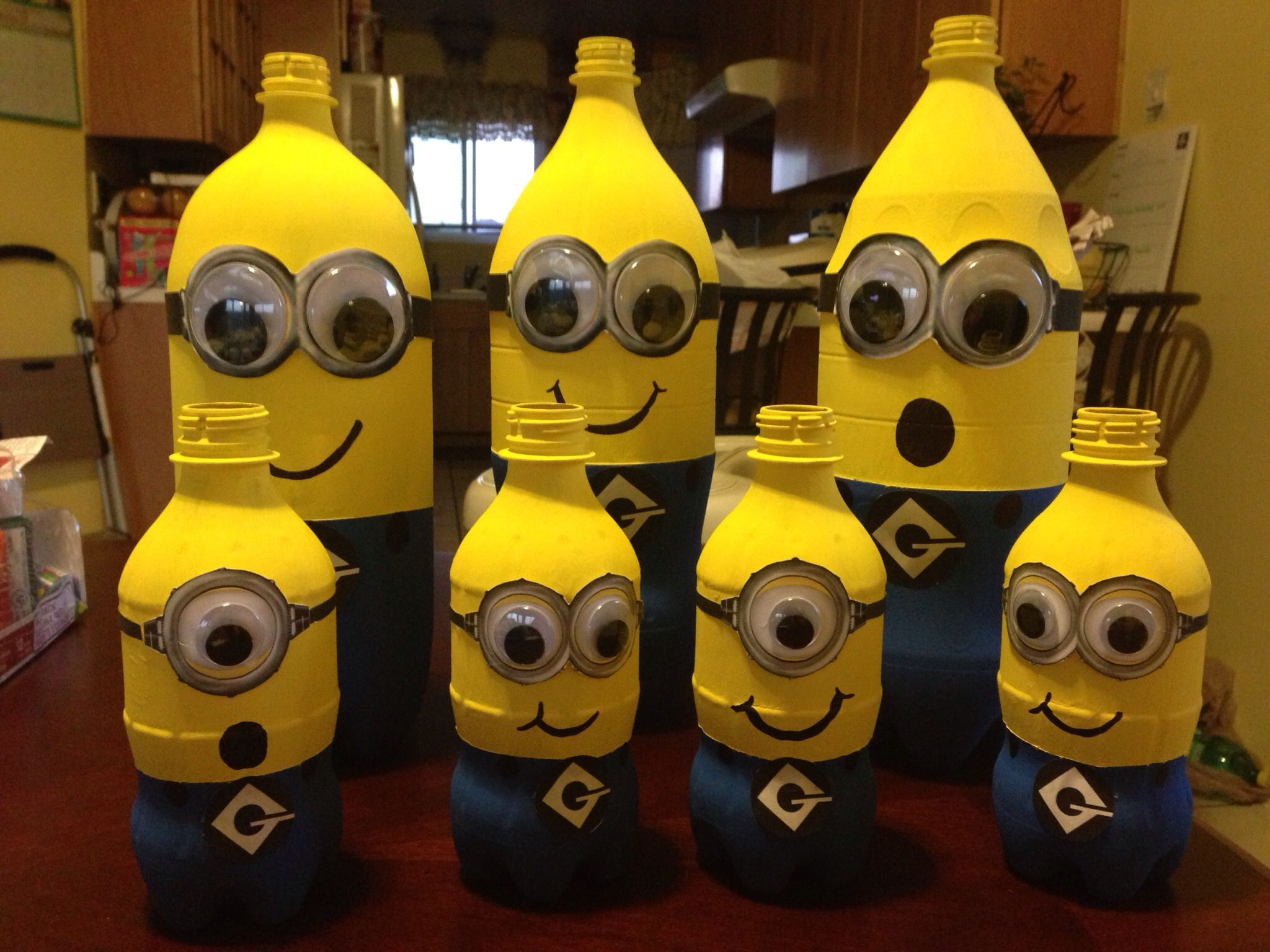 Minion centerpieces do it yourself crafts pinterest for Do it yourself centerpieces for birthday