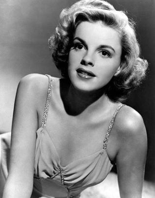 Judy Garland In The Early 1940s by Everett #classicactresses