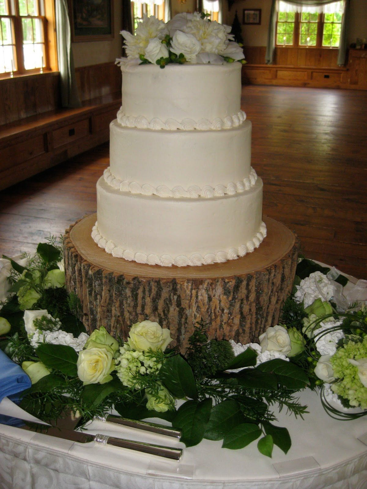 Simple Country Wedding Cakes | Julie U0026 Jasonu0027s Beautiful Cake On Our Tree  Stand. Country
