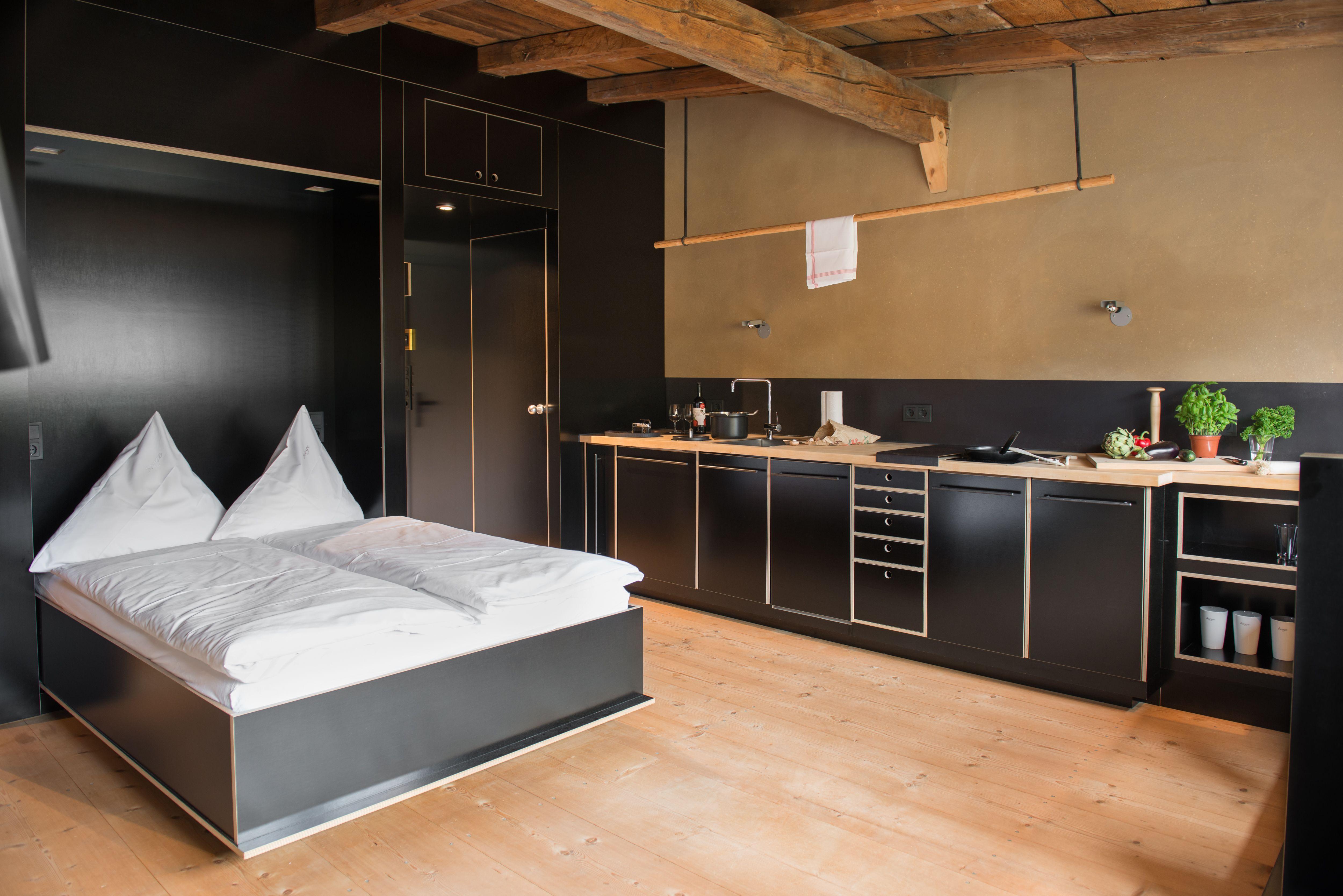 guesthouse berge nils holger moormann k3 we make them wonder moormann berge. Black Bedroom Furniture Sets. Home Design Ideas