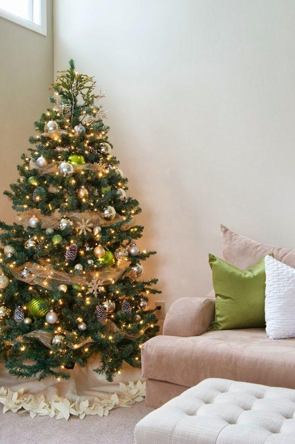 20 Awesome Christmas Tree Decorating Ideas Christmas tree