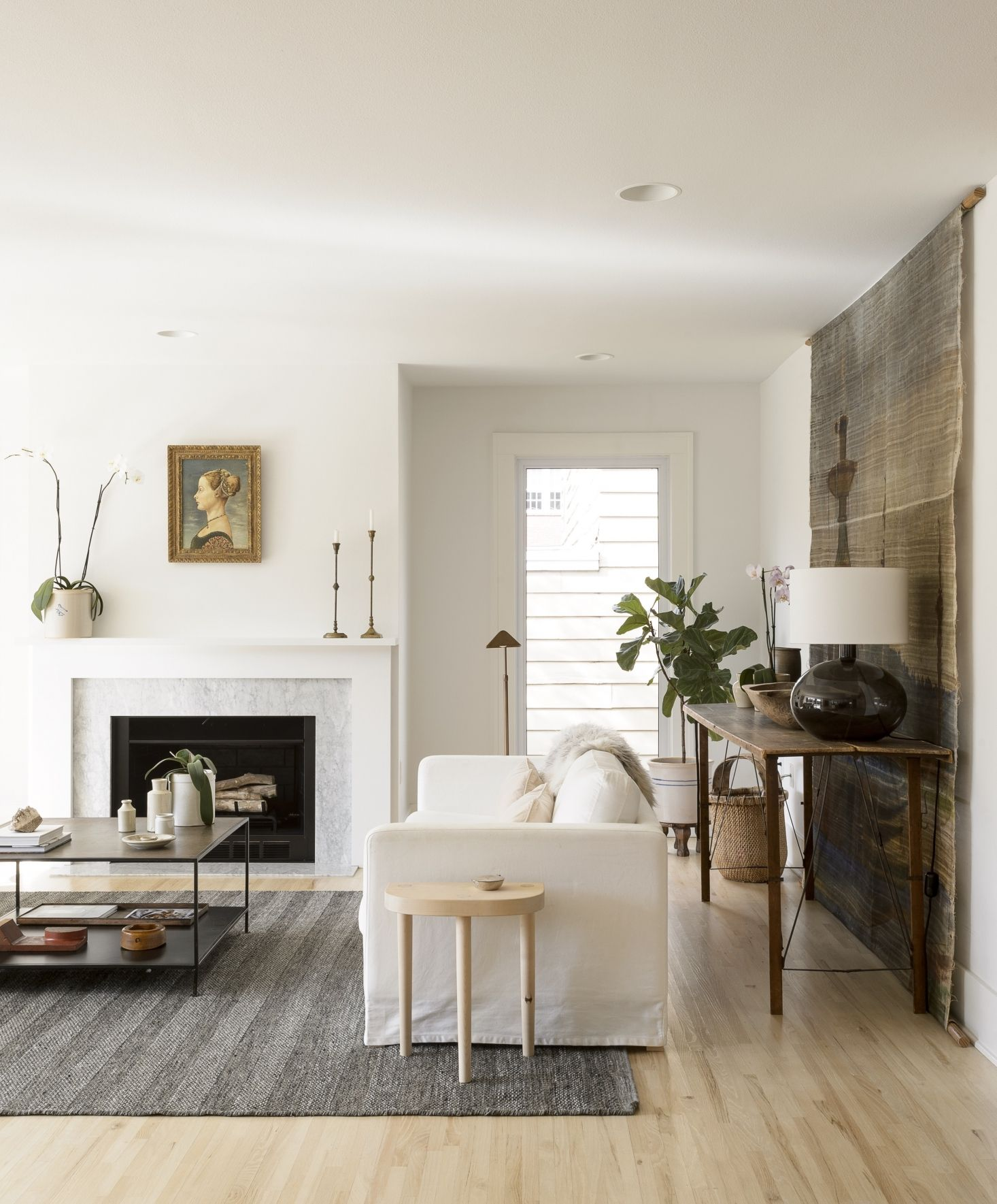 For a hack that makes a big impact, make like Remodelista ...