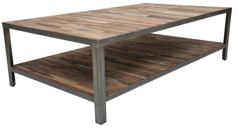 Table basse de salon en Fer poli et vieux bois de bateau de la ...