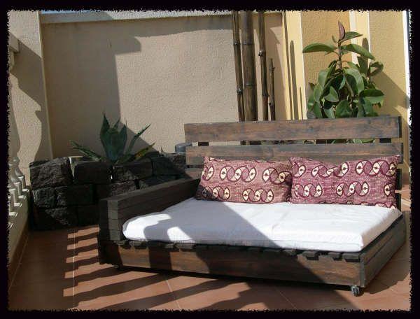 comment faire un canap chaiselong avec des palettes des explications et des plans diy d co. Black Bedroom Furniture Sets. Home Design Ideas