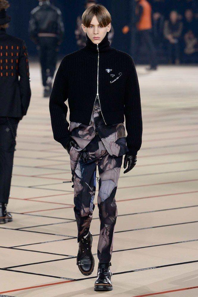 c534ec5f09b116 Dior Homme Fall 2017 Menswear Fashion Show   mode hommes   Pinterest ...