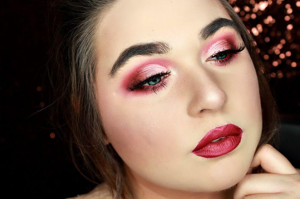 tutoriel maquillage yeux rouges