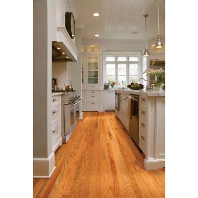 Shaw Woodale Carmel Oak 3 4 In Thick X 2 1 4 In Wide X Random Length Solid Hardwood Flooring 25 Sq Oak Floor Kitchen Red Oak Hardwood Floors Red Oak Floors