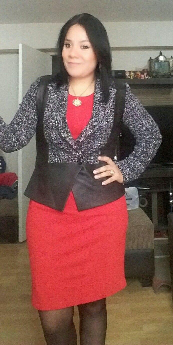 Vestido rojo saco negro