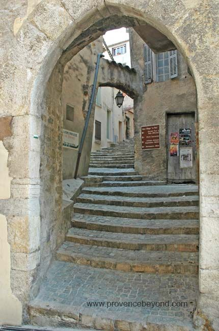 Fayence step-street through arch.  Fayence is a commune in the Var department in the Provence-Alpes-Côte d'Azur region in southeastern France.