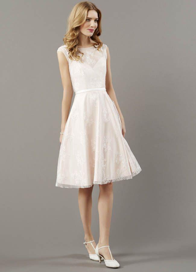 Pin von Gorgeous Women auf Short Wedding Dress | Kleid ...