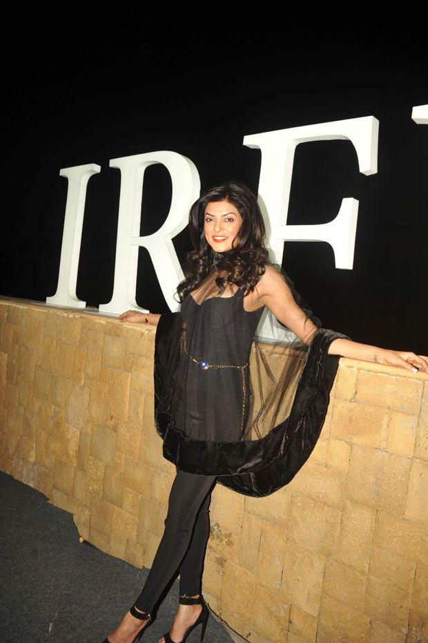 sushmita sen natural photos in IRFW 2013 fashion event in Mumbai