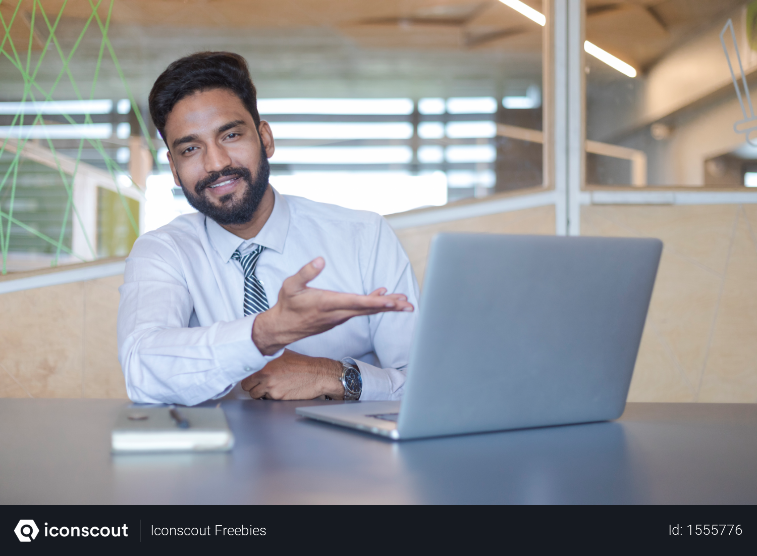 Free Young Indian Businessman Pointing Hand To Laptop Screen And Smiling Photo Download In Png Jpg Format Business Man Laptop Screen