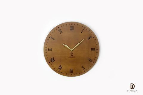 الأرقام اللاتينية من أجمل الأرقام المستخدمة في ساعة الحائط وذلك لشكلها الأنيق والراقي تصميم الساعة في غاية البساطة والرقي في نفس ا Wall Clock Clock Home Decor