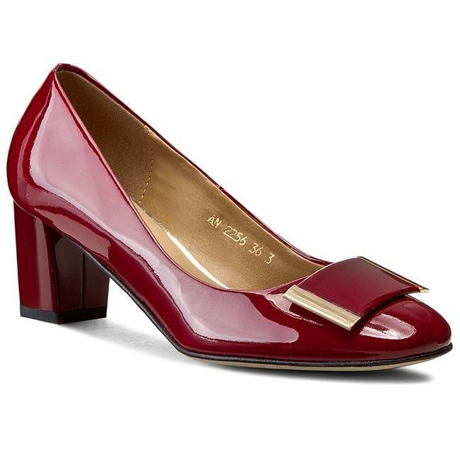Ecipo.hu a márkás cipők és kiegészítők webáruháza. Kínálatunkban több mint 25  000 cipő 824fa0af0c