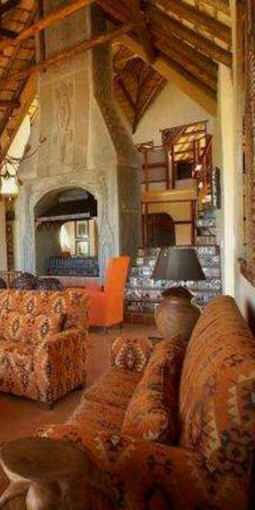 Lukimbi Safari Lodge ..