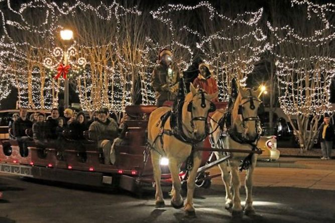 Day By Day Triangle Holiday Guide Christmas And Holiday Events In Raleigh Durham Chapel Hill And Beyond Holiday Guide Holidays And Events Christmas Events