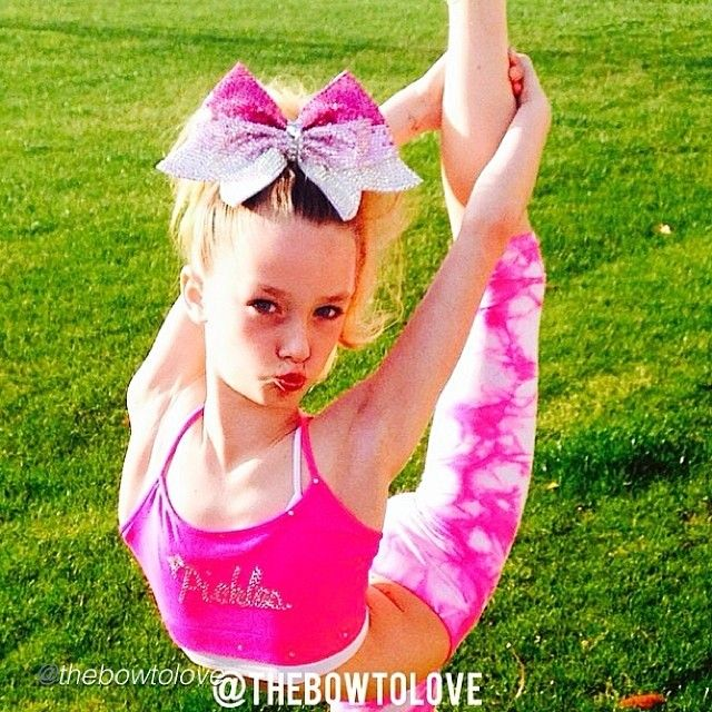 Cheer bow of the day. by @thebowtolove  #cheerbow #cheerbows #beautiful #cheer #cheerleading #cheerleader #cheerleaders #allstarcheer #fabric#allstarcheerleading #cheerislife #bows #hairbow #hairbows #bling #hairaccessories #bigbows #bigbow #teambows #fabricbows #hairclips #sparkle #instafashion #style #grosgrainribbon #fashion #pretty#ribbon #instacute#instacheer