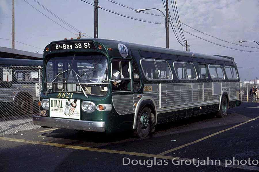 Nyc Mta Gmc Fishbowl Bus New Bus Bus Coach