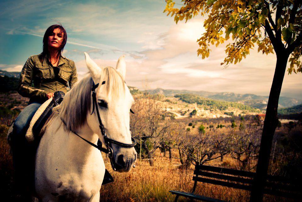Un fantástico día en La Tinença de Benifassá paseando a caballo. Rutas a caballo. www.facebook.com/descubrelatinensa