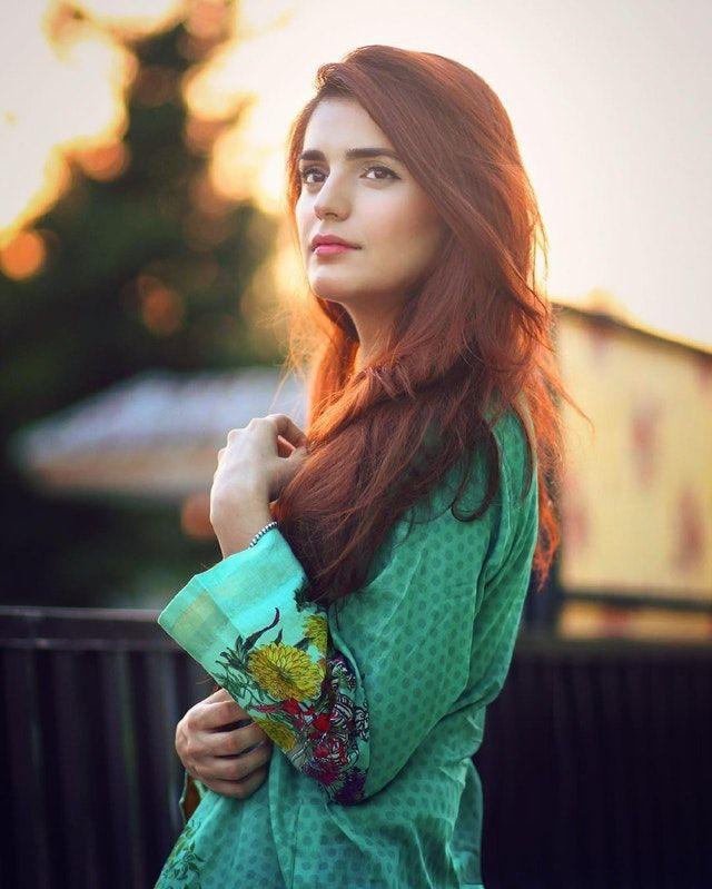 Reddit - gentlemanboners - Momina Mustehsan - Engineer