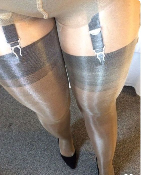 plastic-wrap-covered-in-pantyhose-how-to-give-anal-orgasm