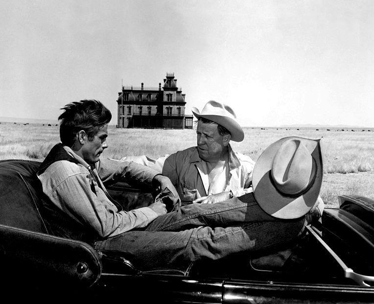 """James Dean y George Stevens en el rodaje de """"Gigante"""""""