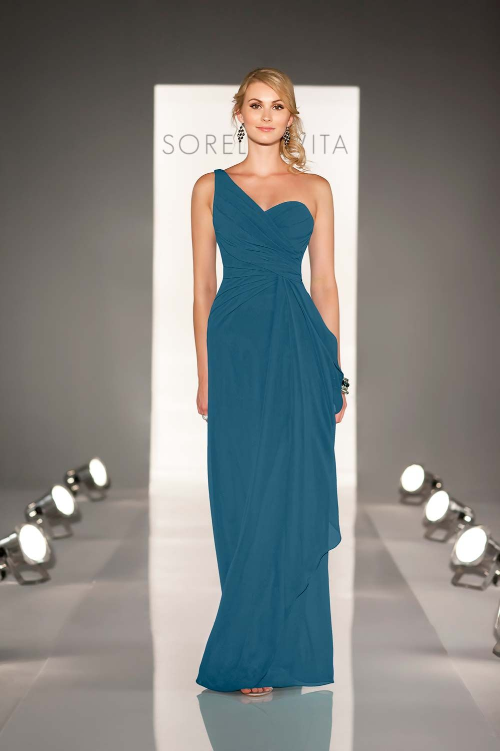 Teal Bridesmaid Dresses: 15 of Our Favourite Styles | Seda y Vestiditos