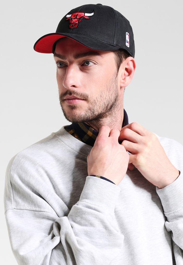 ca1c306c46d0a ¡Consigue este tipo de gorra de Mitchell   Ness ahora! Haz clic para ver
