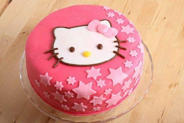 rosa torte mit hello kitty melek geburtstag hello kitty. Black Bedroom Furniture Sets. Home Design Ideas